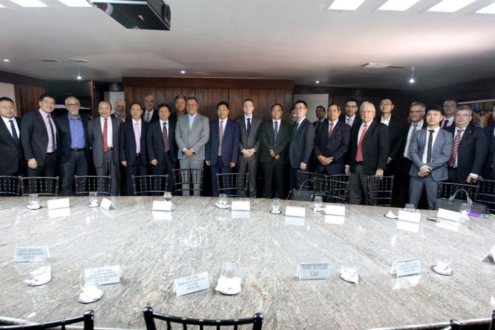 Rui Costa se reuniu mais uma vez com chineses que vão disputar do leilão do governo federal sobre a Fiol e Porto Sul. Veja mais..
