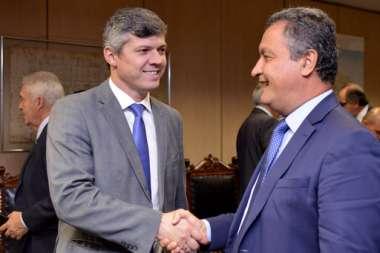 Rui Costa checando com o Ministro dos Transportes, a duplicação da BR 415 que liga Ilhéus a Itabuna e também assuntos sobre a Fiol