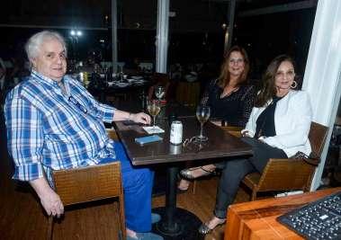 Carlos Fernando Freitas, Lilian Lomanto e Sahara Pondé em fotos de Valterio