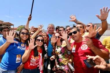 Angelo Coronel deputado e candidato ao Senado com seus eleitores em Livramento