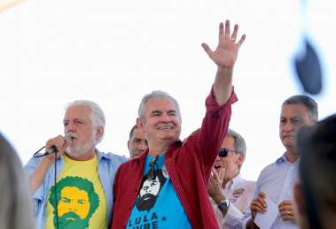 Jaques Wagner e Rui Costa em Livramento na correria e votos