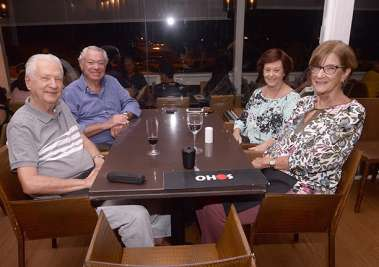 Dina e Josef Kerteszman, Ana e Ivo Fux no Soho em fotos de Valterio Pacheco