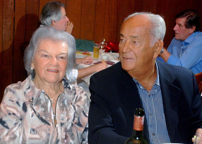 Verônica Machado Cunha Guedes ganha jantar aniversário no restaurante Amado.
