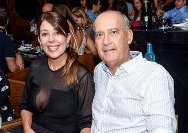 Moema Pitanga e Heitor Cunha jantando no Soho em fotos de Valterio