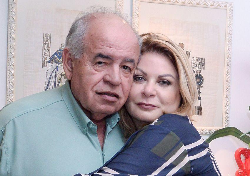 Mary Carvalho apagou mais uma velinha ontem ao lado do seu esposo o prof. José Nilton Carvalho