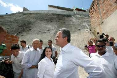 Rui Costa com Marcos Medrado quando da inauguração das contenções de encostas no Subúrbio Rodoviário de Salvador, hoje 05/012018
