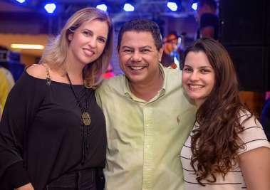 Mônica e Marcelo Sacramento com Thais Sacramento