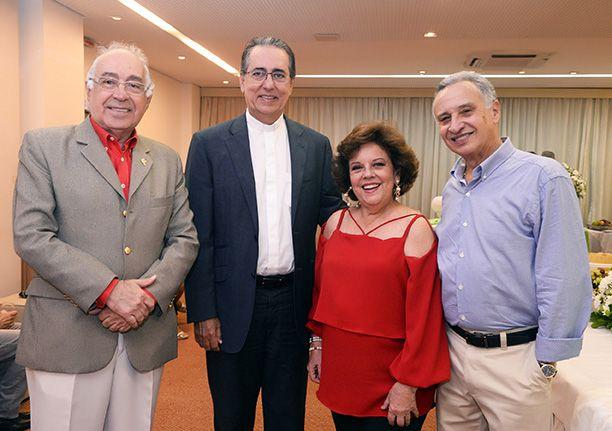 Janete Freitas ganhou festa de aniversário ontem dia 21 no Porto Bello Hotel em fim de tarde