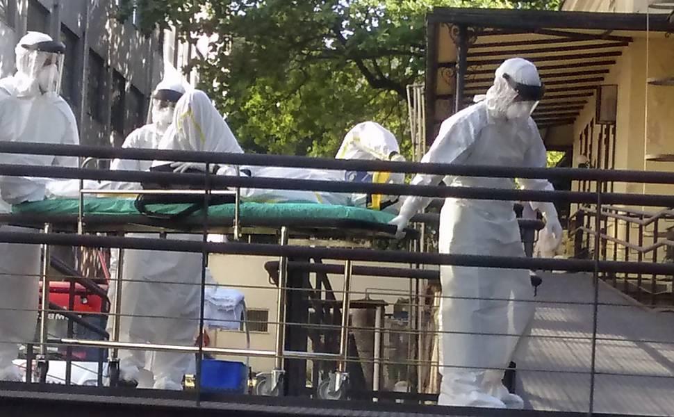 Resultado do 1º exame em suspeito de ebola no Brasil dá negativo