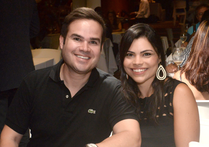 Dep Federal Cacá Leão jantando no Soho de Salvador