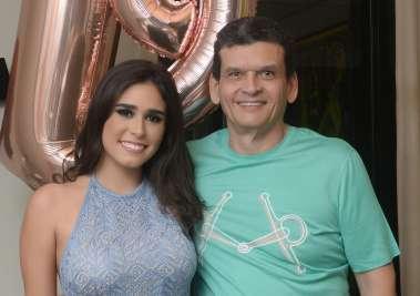 Paulo Lemos abriu as portas do seu ap na Graça, para comemorar os 19 anos da sua filha Paula Lemos