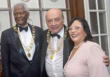 Edvaldo Brito ex-prefeito, Vereador, Jurista, escritor e professor toma posse com membro da Academia de Letras da Bahia