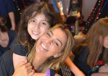 Mônica Martelli filha da atriz Mônica Martelli comemora aniversário em S/P no Bairro de Pinheiros